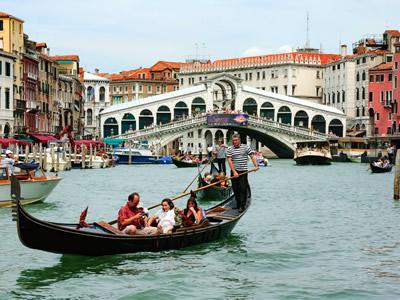 ponte del rialto a venezia